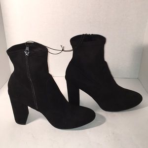🎉SALE 2/$50 3/$60 Black Stretchy Ankle Bootie